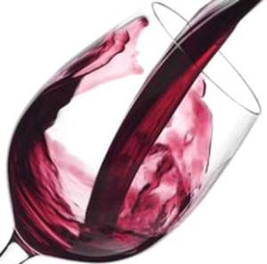 Vino bicchiere vino rosso inclinato