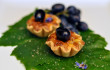 Tartellette salate ricotta capra uva