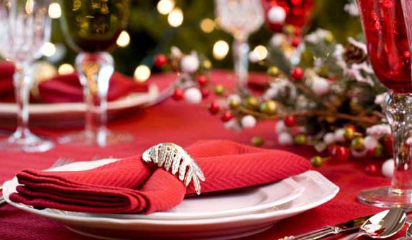 christmas-table-linens