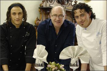 Al centro Daniele Zunica con gli chef Sabatino Lattanzi e Luca Di Felice