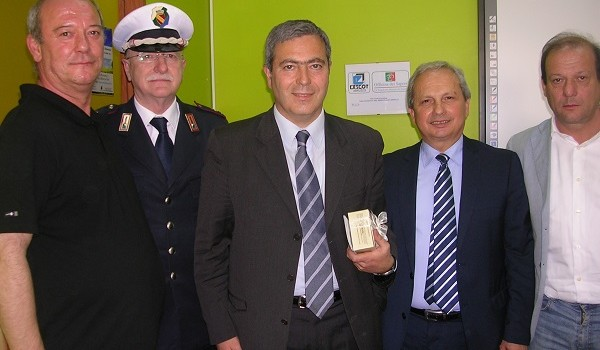 Vinceslao Ruccolo (primo a sinistra) nell'Officina dei Sapori