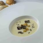 Zuppetta di pecorino, tartufo nero e crostini