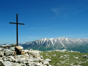 Montagne-del-morrone-croce
