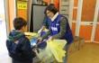 Spesa Sospesa_ un bimbo consegna i prodotti ai volontari1