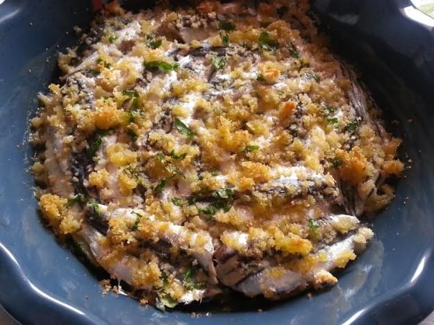 Tiella di alici e patate in tavola il sapore del mare l 39 abruzzo servito quotidiano di - Il mare in tavola ...